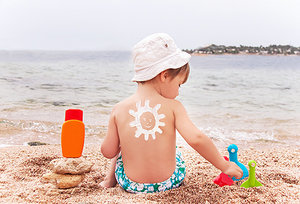 sunscreen - Copyright – Stock Photo / Register Mark