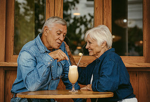 old couples - Copyright – Stock Photo / Register Mark